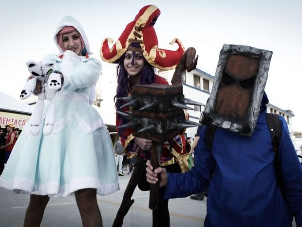 Fãs fazem cosplay de personagens de animes e mangás (Foto: Caio Kenji/G1)