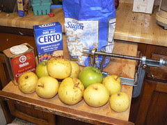 Ingredients for pear-apple jam