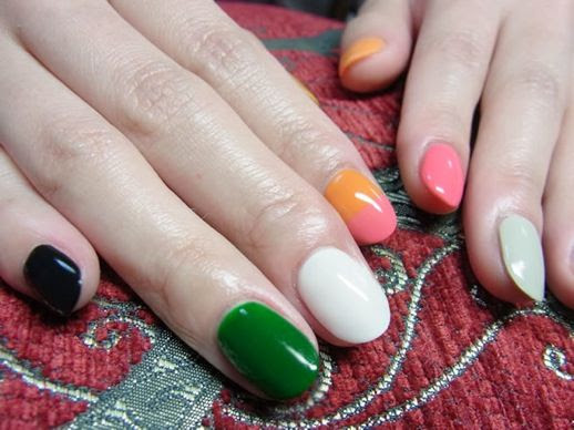 LE FASHION BLOG NAIL CANDY DIFFERENT COLOR MANICURE GREEN BLACK WHITE ORANGE PINK GREY NAIL ART INSPIRATION 12 photo LEFASHIONBLOGNAILCANDYDIFFERENTCOLORMANICUREGREENBLACKWHITEORANGEPINKGREY12.jpg