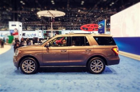 ford expedition review hybrid towing capacity
