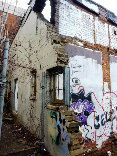 P1160387-2013-02-11--1137-Ponce-De-Leon-Ave-burndown-south-loading-dock-se-corner