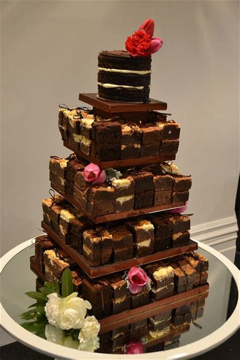 25  best ideas about Brownie wedding cakes on Pinterest