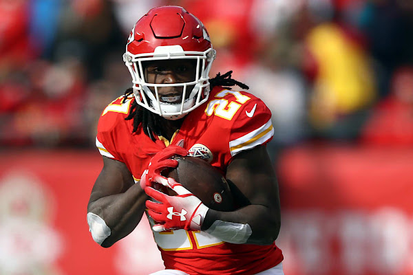 224de2a5 Browns reportedly ask NFL to allow Kareem Hunt to stay with team during  suspension