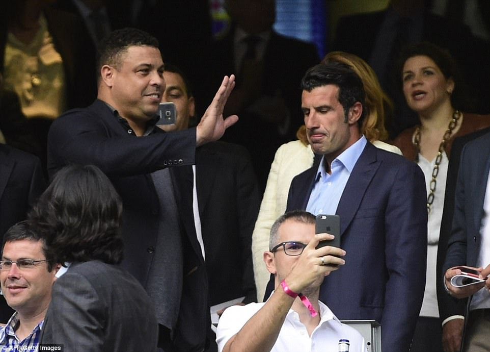 Former Real Madrid players Ronaldo and Luis Figo were among the stars to attend the potentially title-deciding match