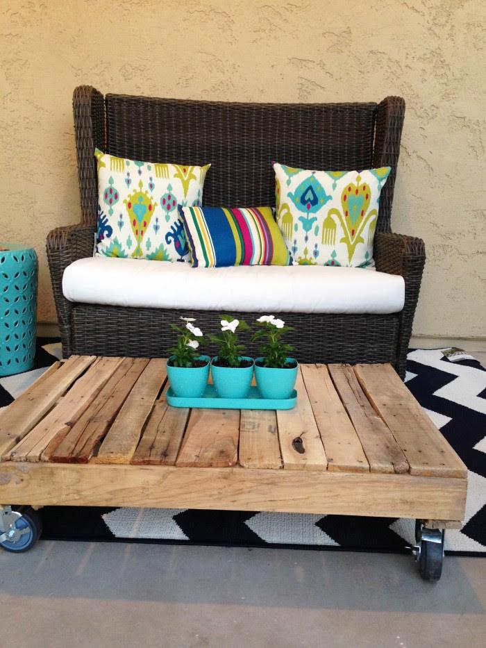 DIY Wood Pallet Coffee Table - Petite Party Studio