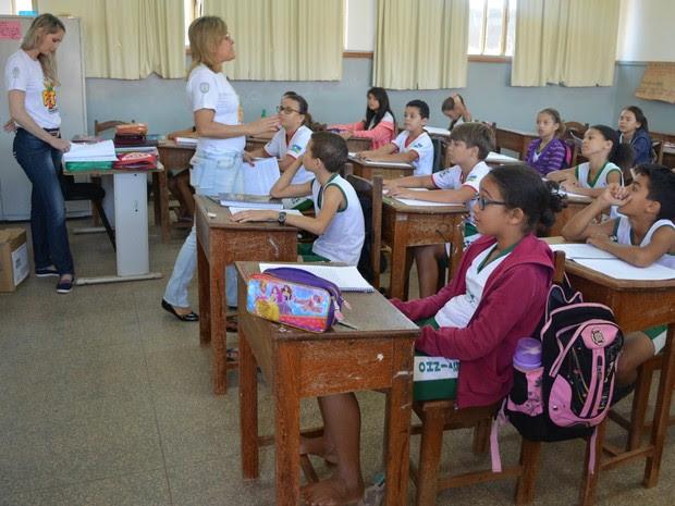 Alunos das escolas estaduais foram beneficiados com aulas sobre segurança no trânsito (Foto: Magda Oliveira/G1)