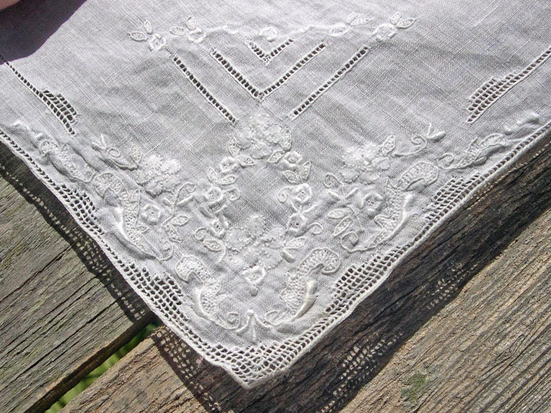 Floral Vintage embroidered wedding handkerchief hankie - GladsonDesign