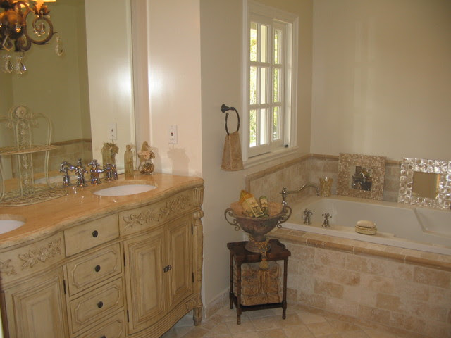 French Country Master Bathroom Classic Travertine/Crema ...