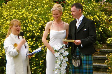 Wedding Ceremony in Northern Scotland   Inverness to