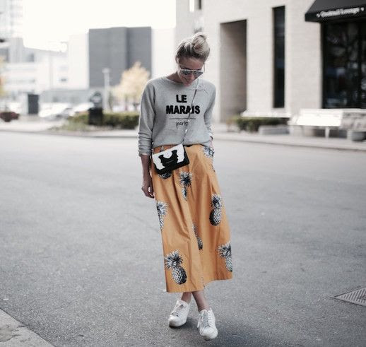 Le Fashion Blog Printed Maxi Skirt Sweat Shirt Sneakers Via Happily Grey