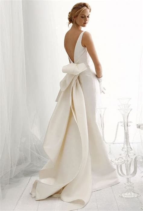 Fabulous Architectural Details for Your Wedding Dress