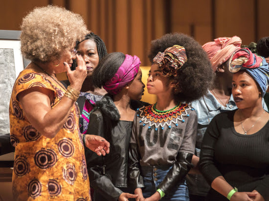 Angela-Davis-meets-Zulaikha-Patel-the-student-at-the-lead-of-the-protests-at-Pretoria-Girls-High-2
