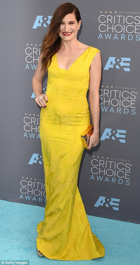 Hello sunshine: Best Actress In A Drama Series winner Carrie Coon (L) and Kathryn Hahn both opted for striking yellow dresses