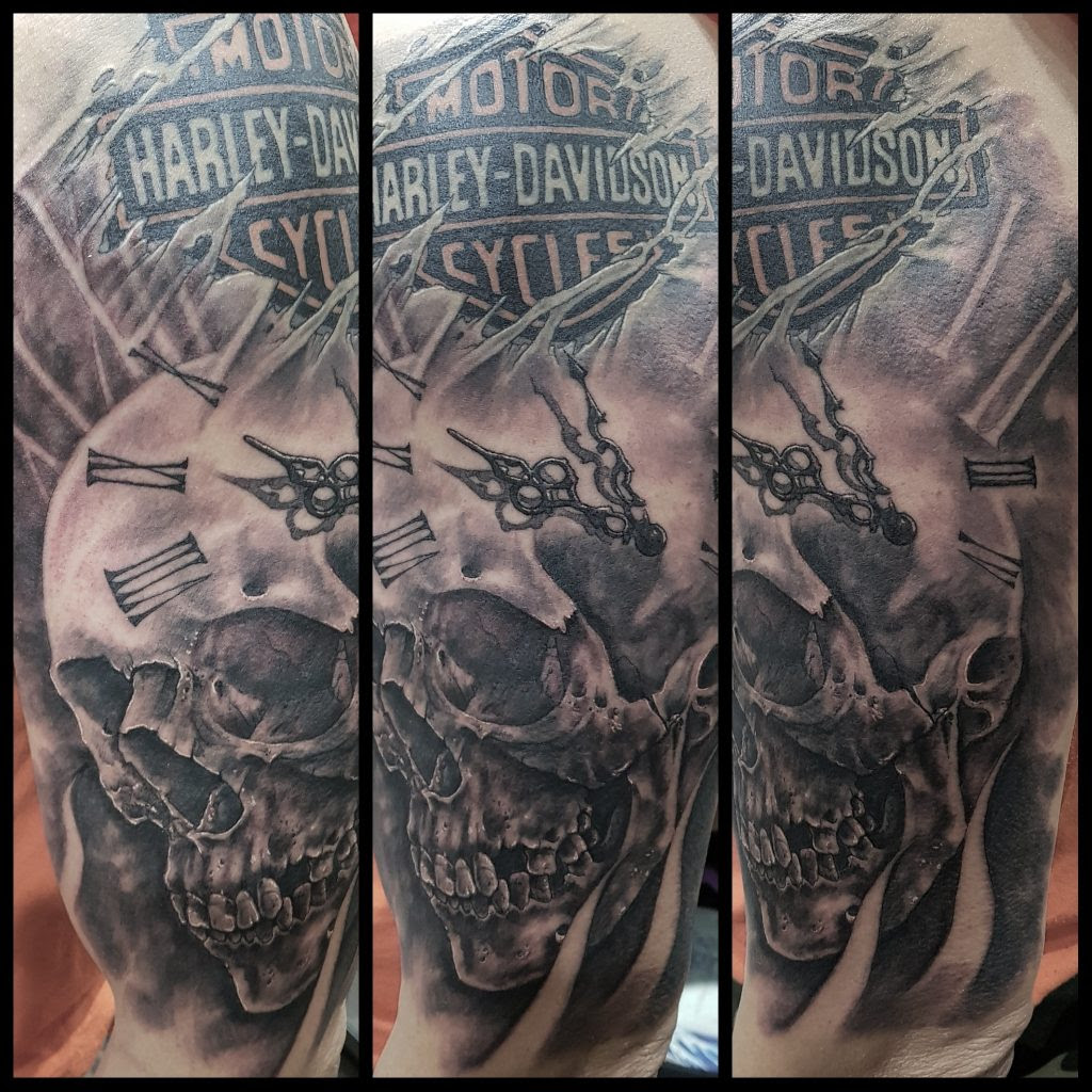 Calavera Y Reloj Matadero Tattoo