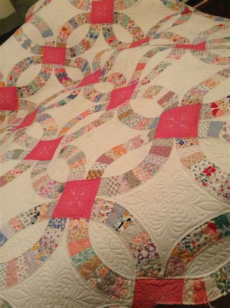 Vintage double wedding ring quilt.   Quilts! and sew and