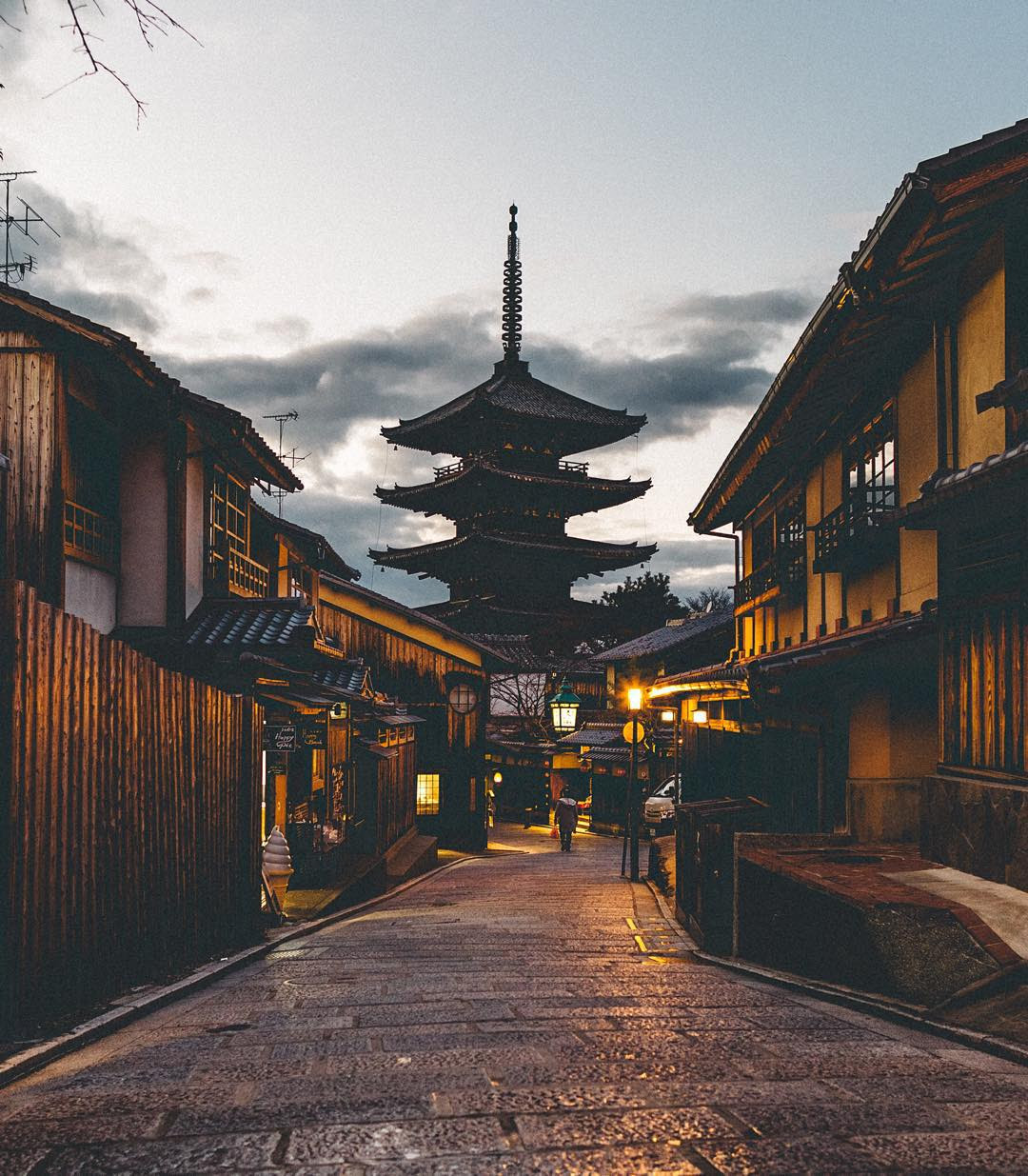 Japan through the eyes of Yoshiro Ishii ⋆ ArchEyes
