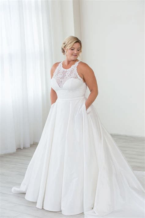 Pin on Plus Size Wedding Gowns