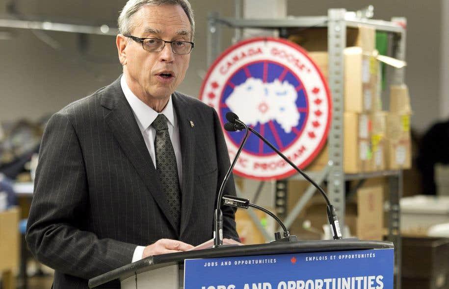 Le ministre des Finances, Joe Oliver, a profité de la visite d'une usine à Toronto pour faire son annonce.
