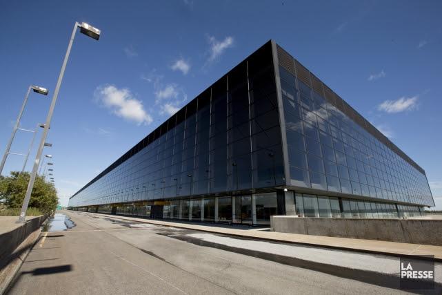 Trop cher, trop vieux et inutilisable: le bâtiment principal de l'aéroport de... (Photo archives La Presse)