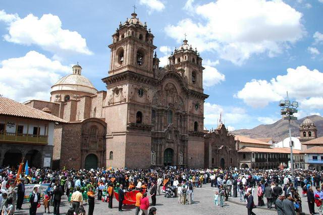 Parade du Dimanche à Cusco