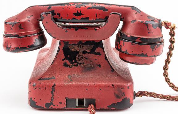 Le dos du téléphone d\'Hitler.