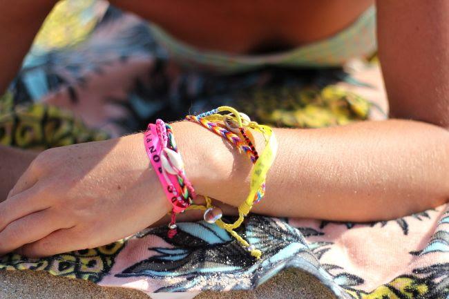 photo 23-bracelets_hipanema_eacuteteacute_zpsc32150ba.jpg