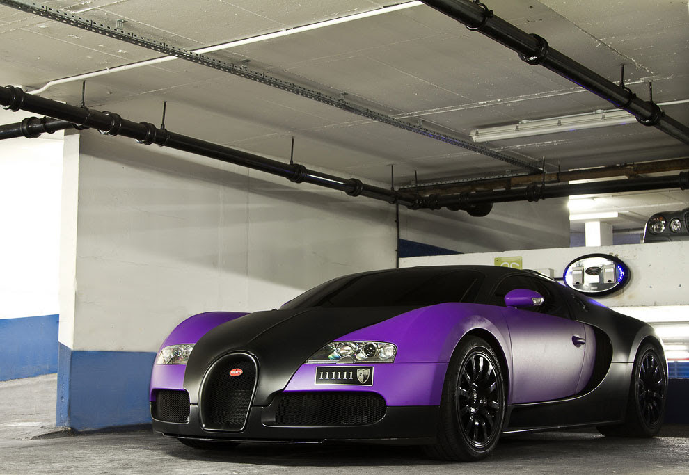 Фиолетовый Bugatti Veyron