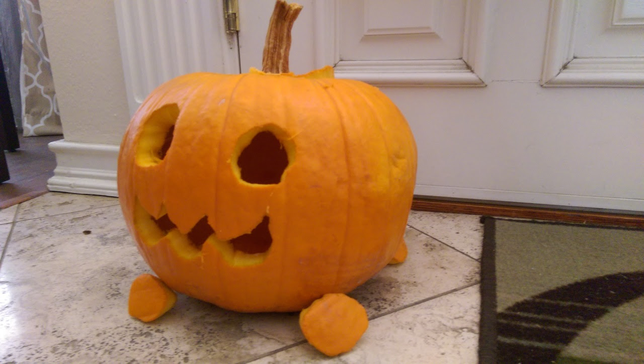 I made the Pumpkin Dog from the upcoming Gem Harvest! I was inspired by someone in tumblr.. I forgot their username.