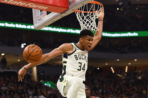 Avatar of Milwaukee Bucks: Giannis Antetokounmpo garners first Player of the Week honors for 2019-20
