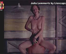 Julia Lemmertz nua no filme brasileiro de 1999 Um copo de colera em 2 vídeos