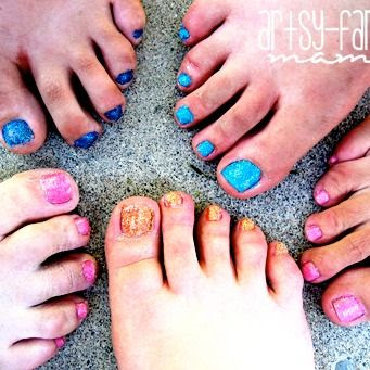 DIY Glitter Toes