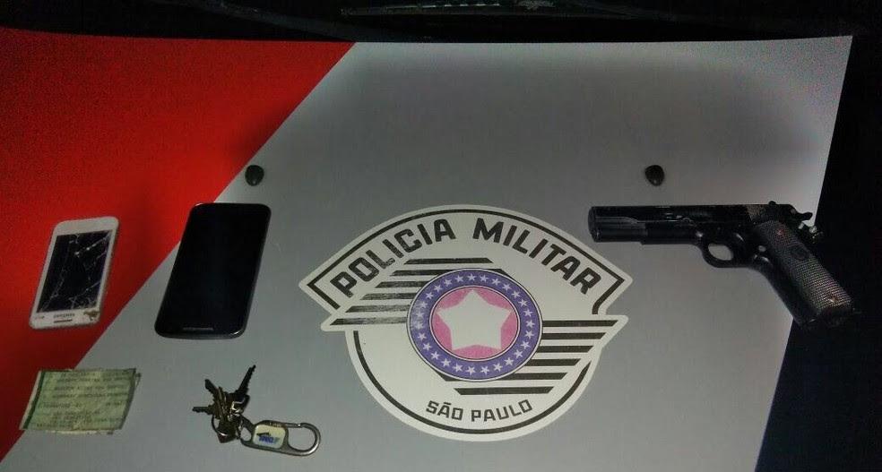 Criminosos ainda levaram dinheiro e joias da família (Foto: Divulgação/Polícia Militar)