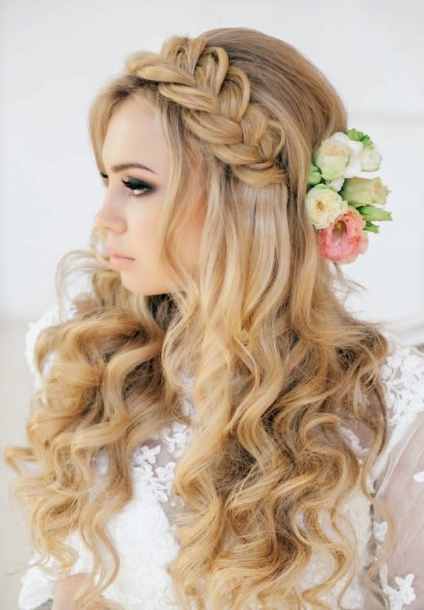 Frisur Haarband Ideen Halboffene Haare Kurze Locken Frisuren