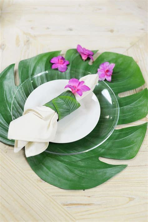 Monstera Leaf Placemat in 2019   Wedding Planner   Wedding