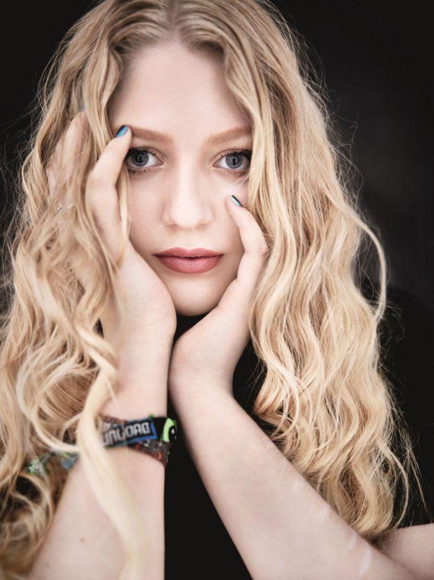 Fotografía de Alanah hecha por el fotógrafo de moda Rankin.