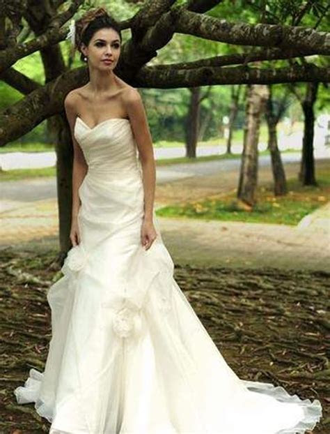 Goes Wedding » Fabulous Chic Princess Wedding Dress in