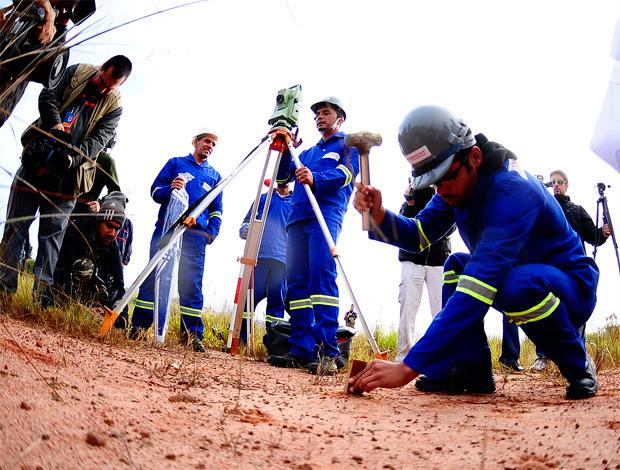 corinthians obras estádio (Foto: Marcos Ribolli/ GLOBOESPORTE.COM)