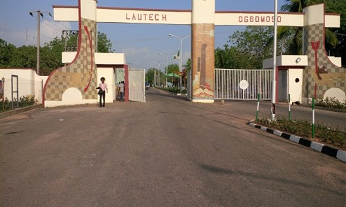 LAUTECH Students Block Varsity Gates, Demand Reinstatement Of Expelled Students