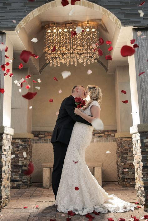 Charming and elegant Las Vegas wedding venue. Chapel of