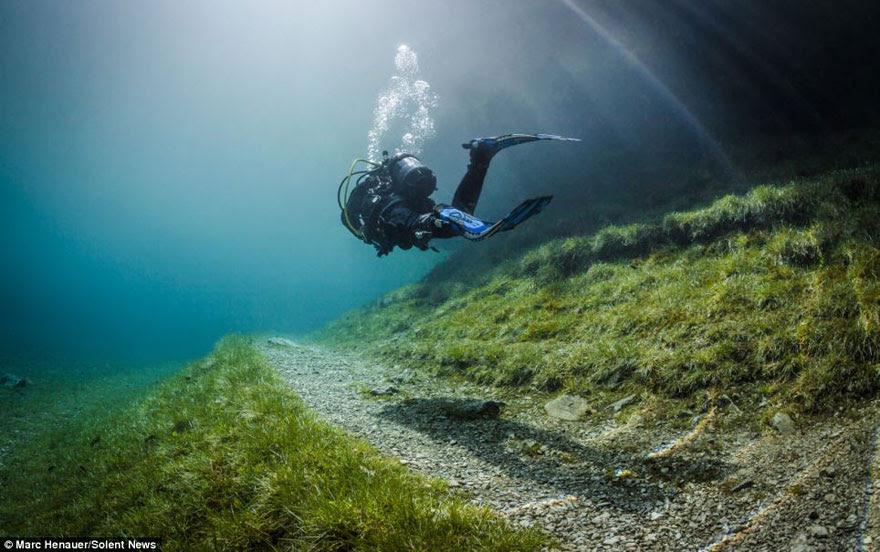 cool-underwater-park-scuba-diving-trail