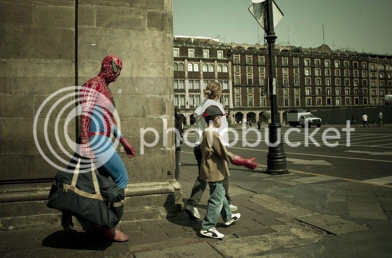 Para Superhero yang takut istri