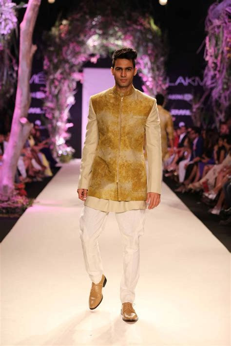 An amazing start to Lakme Fashion Week 2014 with the
