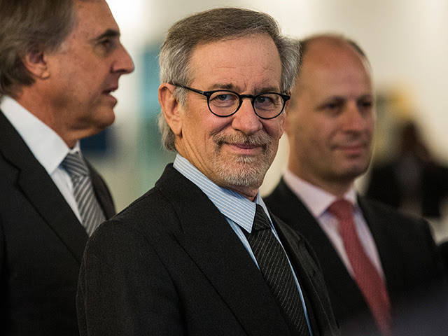 Steven Spielberg navega no luxo  ||  Créditos: Getty Images