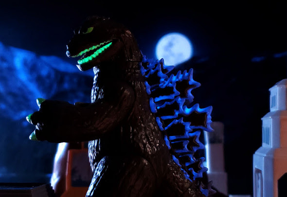 Diamond Select Godzilla Vinimates Glow-in-the-Dark Godzilla 1962 SDCC 2020 Vinyl Figure