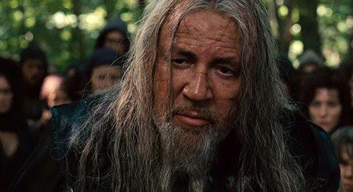 """Em """"Noah"""", Tubal-Caim descende de Caim (ao contrário de Noé, que descende de Seth).  Ele é o construtor de civilizações que transformaram o mal."""