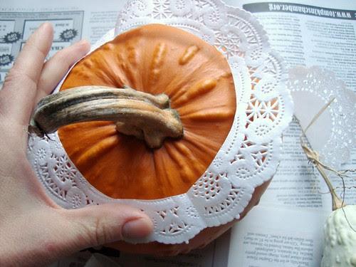 pumpkin lace vase 2