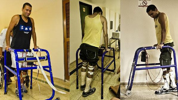 Paciente paraplégico durante condicionamento muscular dos membros inferiores utilizando a Estimulação Elétrica Neuromuscular (Reprodução/EESC USP)