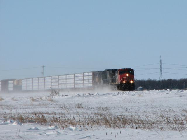 CN 2527 and train 312