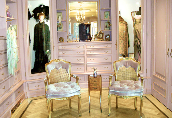 Barbra Streisand's antique shops