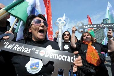 Manifestação nacional em defesa das freguesias, março de 2012. Foto de Paulete Matos.